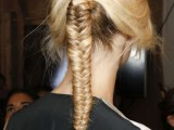 18-stylish-and-fuss-free-hairstyles-for-every-workout-6