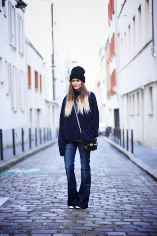 Picture Of stylish ways to wear flared jeans  10