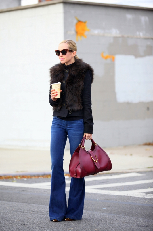 Picture Of stylish ways to wear flared jeans  14