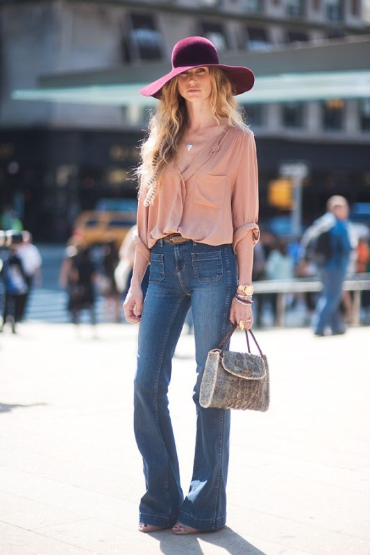 Picture Of stylish ways to wear flared jeans  16