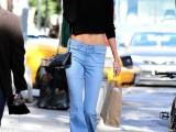18-stylish-ways-to-wear-flared-jeans-3