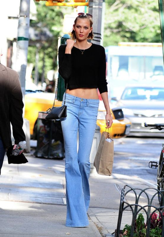 Picture Of stylish ways to wear flared jeans  3