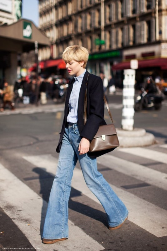 Picture Of stylish ways to wear flared jeans  9