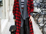 18-trendy-plaid-coat-looks-to-recreate-now-17