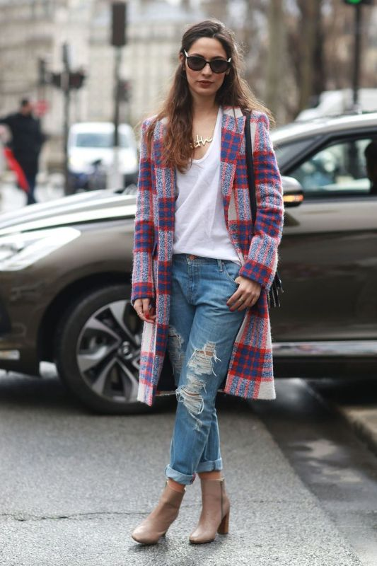 Picture Of trendy plaid coat looks to recreate now  6