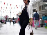 19-cool-ideas-to-wear-a-scarf-stylishly-this-spring-11