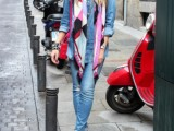 19-cool-ideas-to-wear-a-scarf-stylishly-this-spring-12