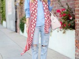 19-cool-ideas-to-wear-a-scarf-stylishly-this-spring-19