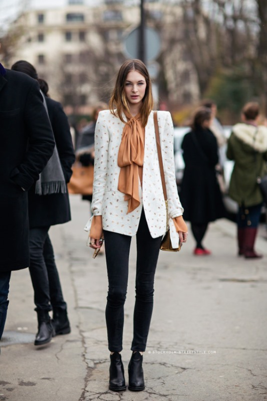 Picture Of cool ideas to wear a scarf stylishly this spring  4