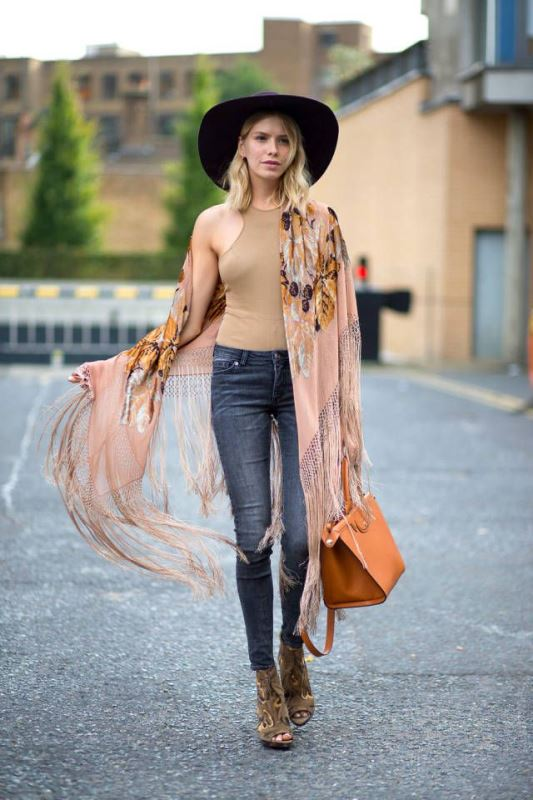 Picture Of cool ideas to wear a scarf stylishly this spring  8