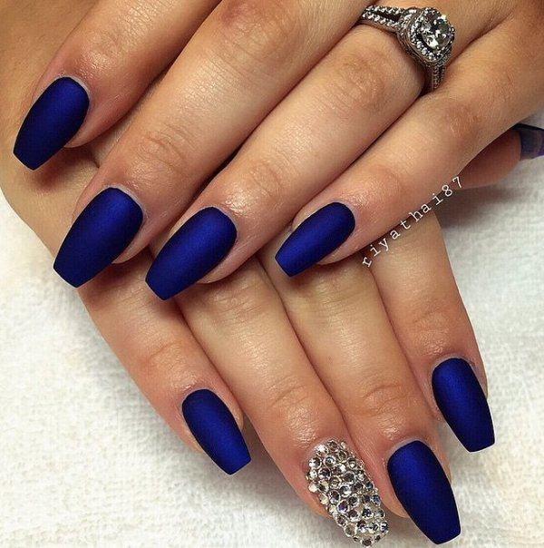 Picture Of matte and hot manicure ideas  3