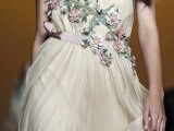 19-romantic-and-refined-dresses-for-a-valentines-day-19