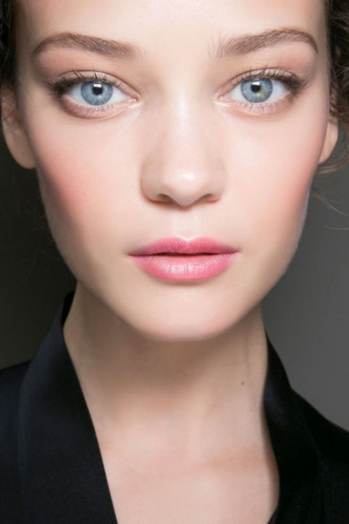 Romantic And Sexy Valentine's Day Makeup Ideas