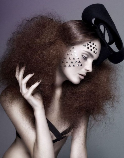 Spooky Yet Chic And Stylish Halloween Hairstyles Ideas