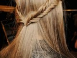 19-stylish-and-beach-worthy-summer-hairstyles-10