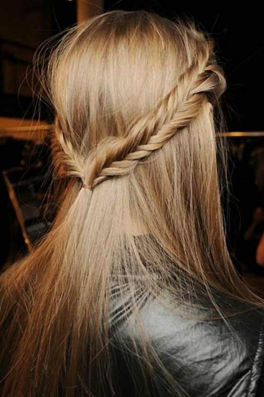 Picture Of stylish and beach worthy summer hairstyles  10