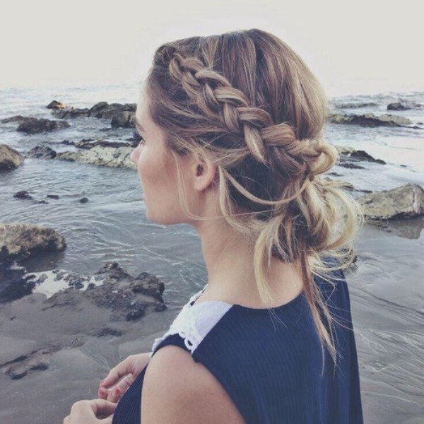 Picture Of stylish and beach worthy summer hairstyles  19
