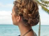 19-stylish-and-beach-worthy-summer-hairstyles-2