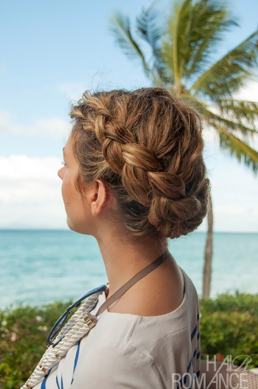 Picture Of stylish and beach worthy summer hairstyles  2