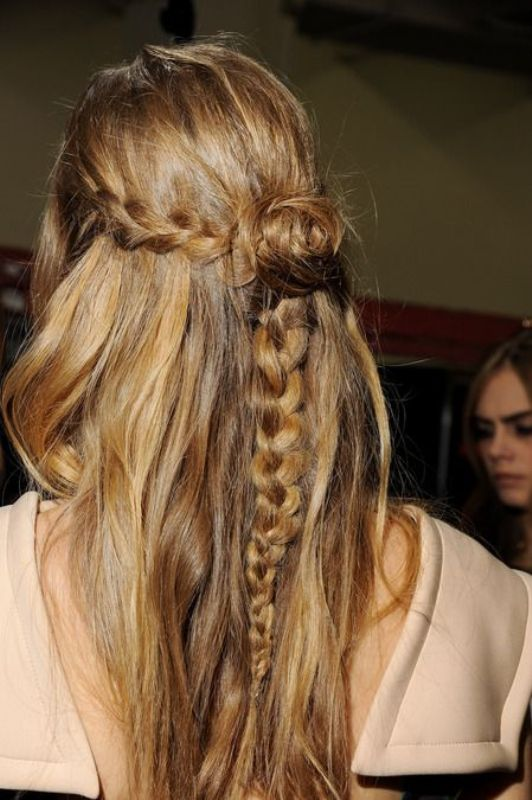 Picture Of stylish and beach worthy summer hairstyles  3