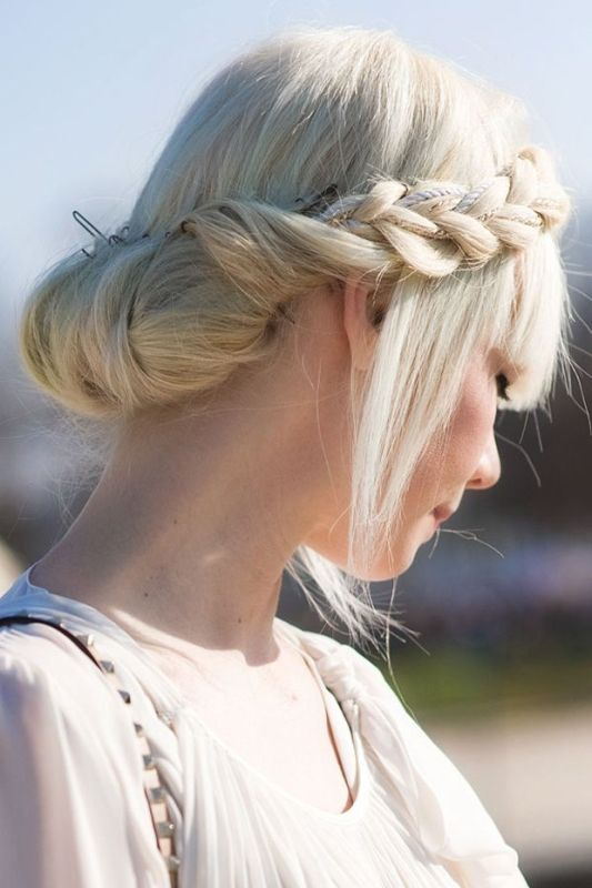 Picture Of stylish and beach worthy summer hairstyles  5