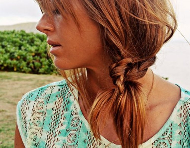 Picture Of stylish and beach worthy summer hairstyles  7