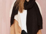 20 Amazing Oversized Scarves For Fall And Winter7