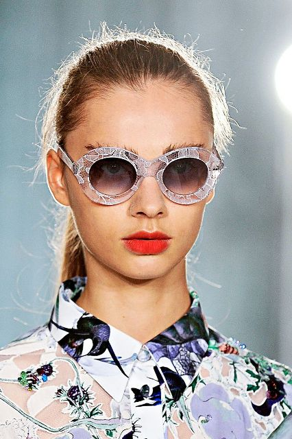Cool Embellished Sunglasses To Try This Season17 (1)