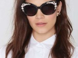 20 Cool Embellished Sunglasses To Try This Season17 (2)
