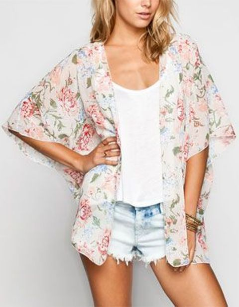 Picture Of Cool Outfits With A Kimono Jacket For This Summer 14