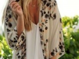 20 Cool Outfits With A Kimono Jacket For This Summer17