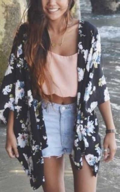 Picture Of Cool Outfits With A Kimono Jacket For This Summer 7