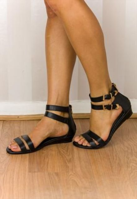 20 Trendy Flat Black Sandals For This Summer Styleoholic