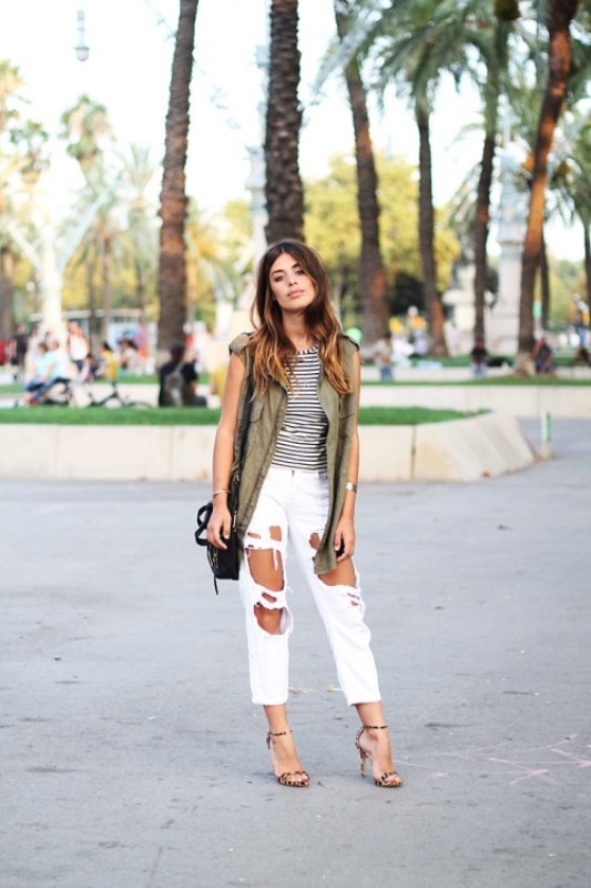 Picture Of awesome ways to wear white jeans this summer  12