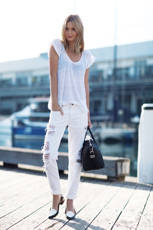 Picture Of awesome ways to wear white jeans this summer  17