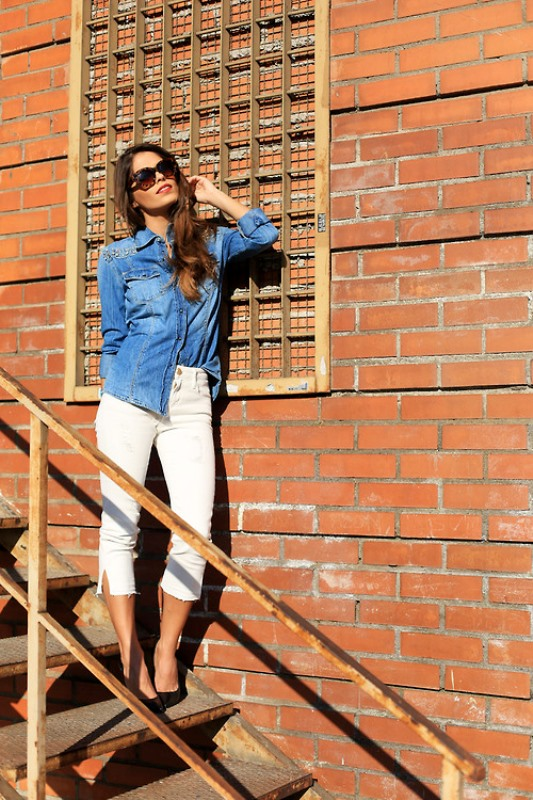 Picture Of awesome ways to wear white jeans this summer  5