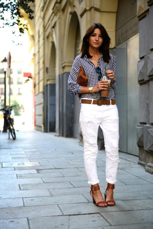 Picture Of awesome ways to wear white jeans this summer  6