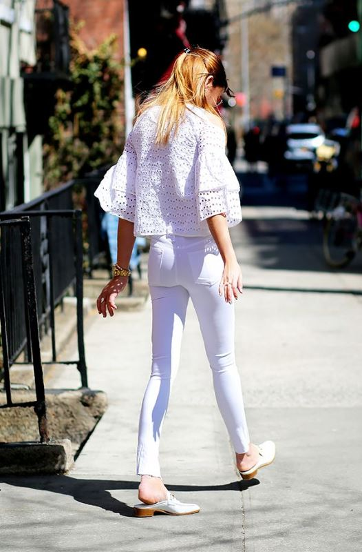 Picture Of awesome ways to wear white jeans this summer  8