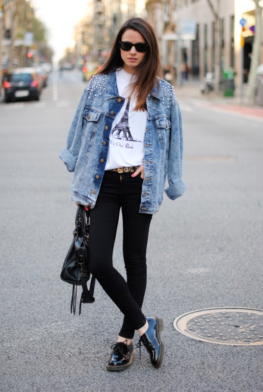 Picture Of cool and trendy ways of wearing a jean jacket  1