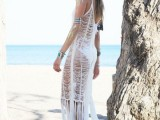 20-cool-fringe-cover-ups-to-wear-to-the-beach-20