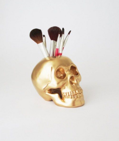 20 Cool Makeup Brush Holders Every Girl Needs