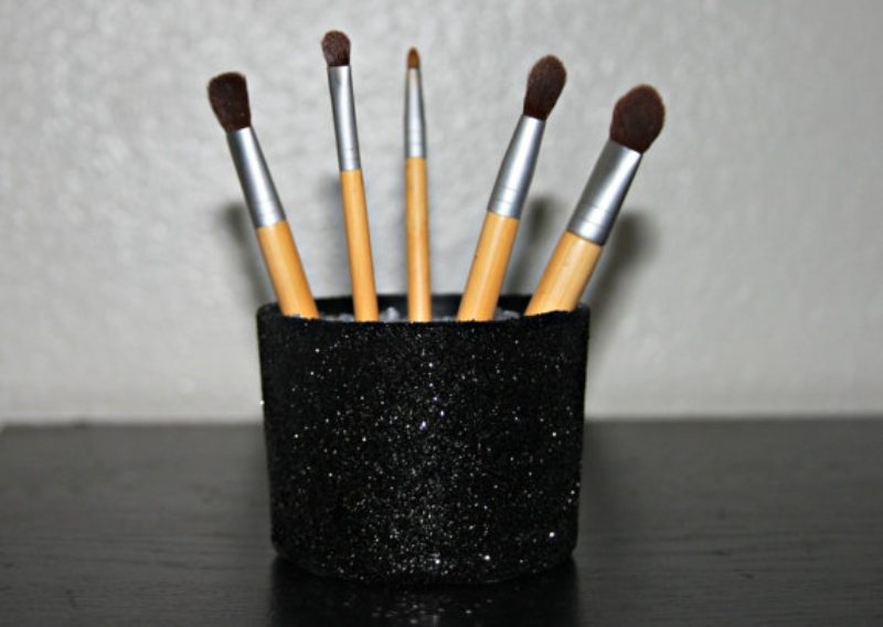 Picture Of cool makeup brush holders every girl needs  12