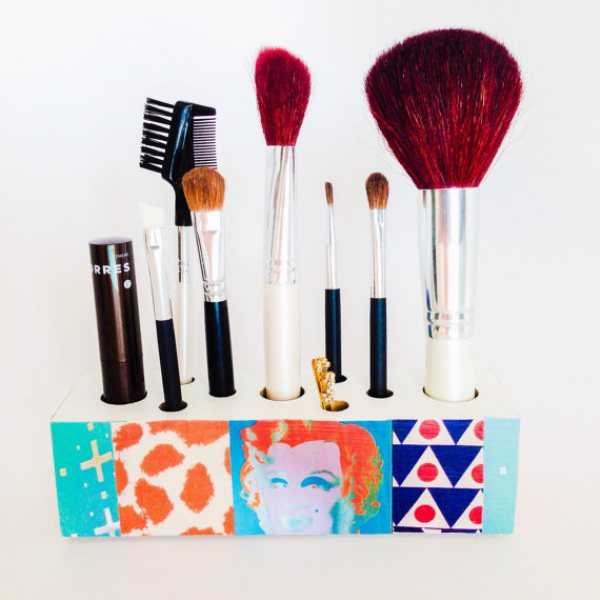 Picture Of cool makeup brush holders every girl needs  15