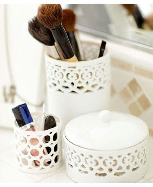 Picture Of cool makeup brush holders every girl needs  16