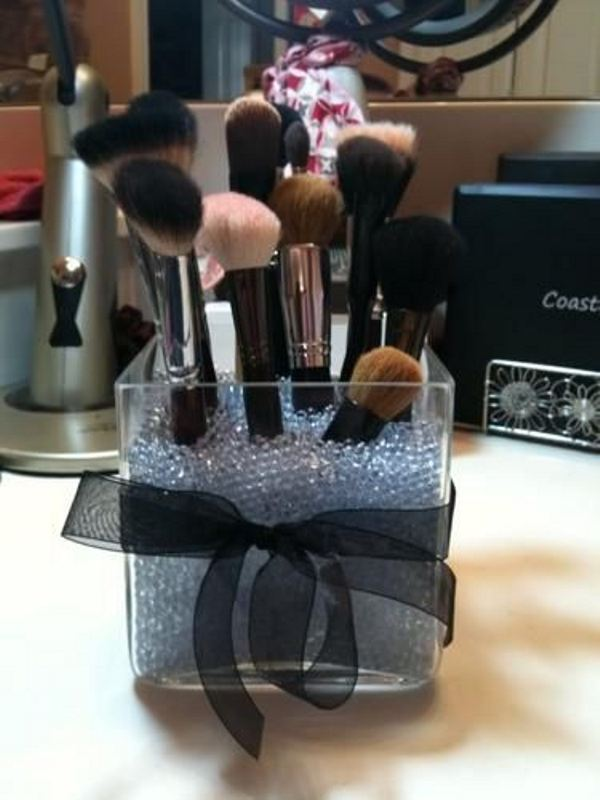 Picture Of cool makeup brush holders every girl needs  17