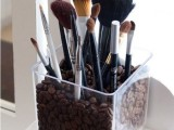 20-cool-makeup-brush-holders-every-girl-needs-19