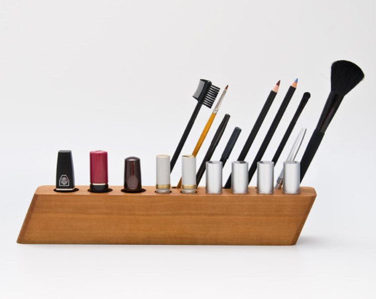 Picture Of cool makeup brush holders every girl needs  20
