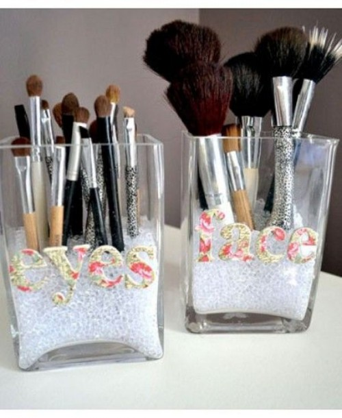 Cool Makeup Brush Holders Every Girl Needs