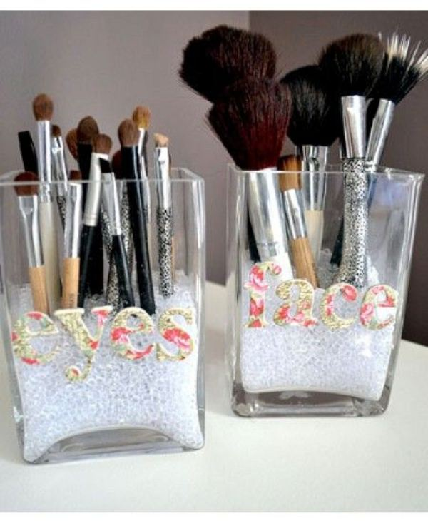 Picture Of cool makeup brush holders every girl needs  3