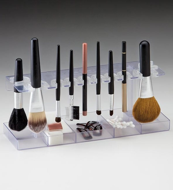 Picture Of cool makeup brush holders every girl needs  7